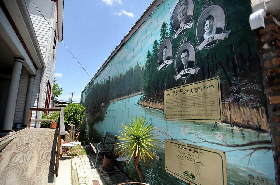 One of many murals in downtown Jasper, Wednesday. Tammy McKinley, The Enterprise Photo: TAMMY MCKINLEY / Beaumont