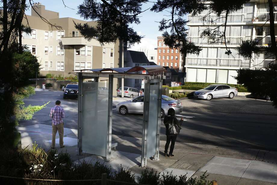 A look at the bus stop on Washington at Laguna streets in San Francisco, Calif., on Wednesday, October 15, 2014. Photo: Liz Hafalia, The Chronicle