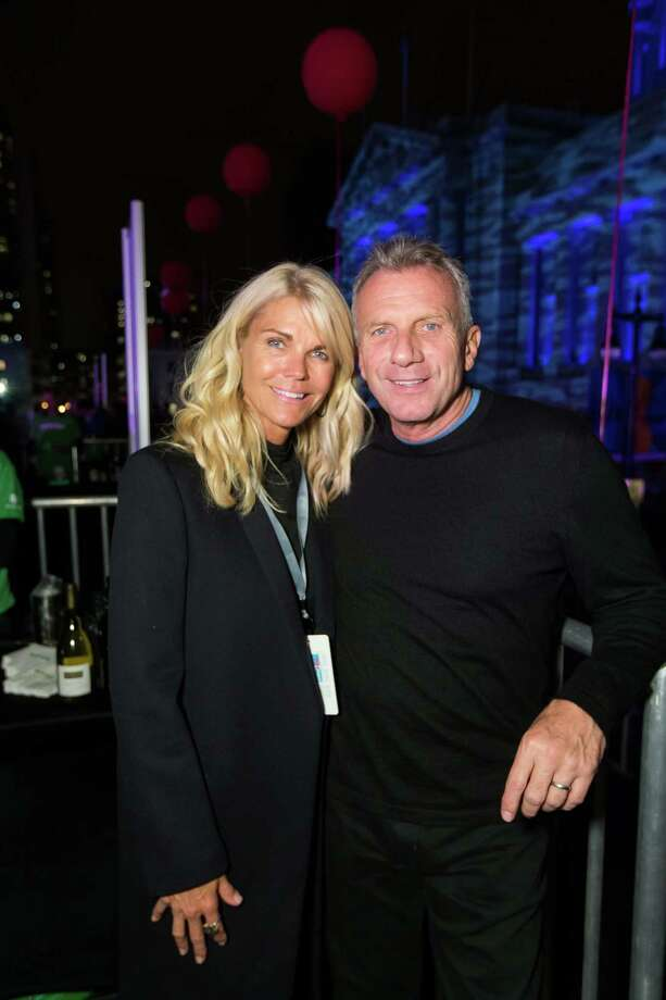 Jennifer Montana and Joe Montana at the Concert for UCSF Benioff Children's Hospitals at Civic Center Plaza on October 14, 2014. Photo: Drew Altizer, Drew Altizer Photography / DREW ALTIZER PHOTOGRAPHY