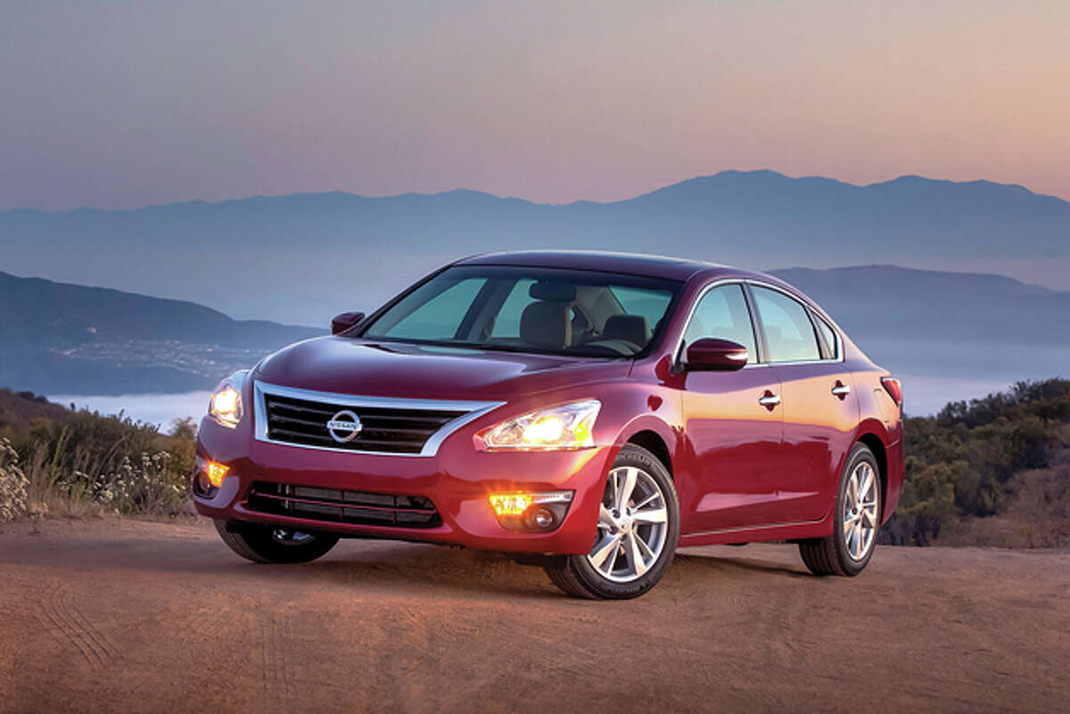 2015 Nissan Altima 2.5 SL (photo courtesy Nissan)