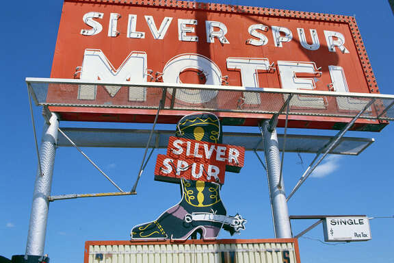 Silver Spur Motel Sign on Route 66