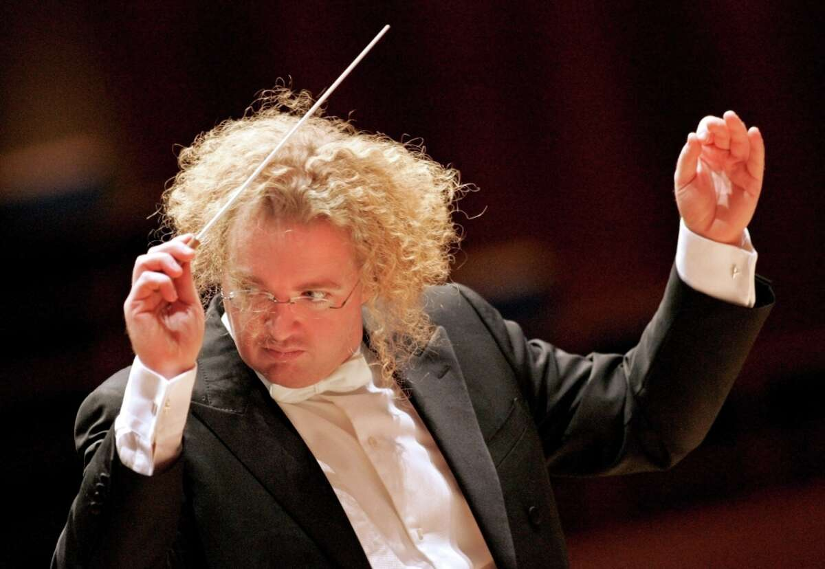 Guest conductor Stéphane Denève and the Symphony helped refresh the familiar strains of the