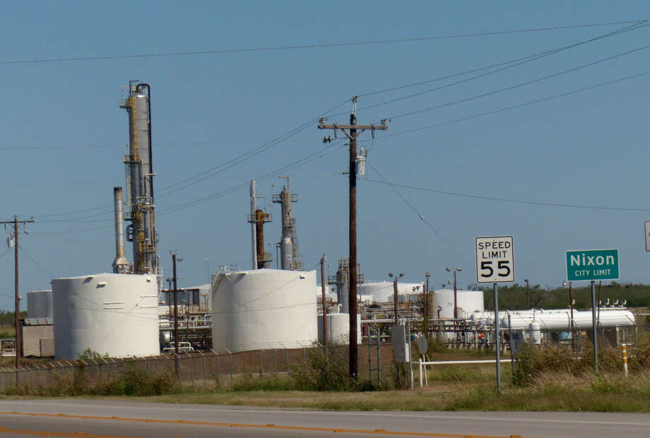 This refinery in Nixon is the main asset of Blue Dolphin Energy Co., an independent refiner and marketer in Eagle Ford Shale. Photo: Photos By Billy Calzada / San Antonio Express-News / San Antonio Express-News