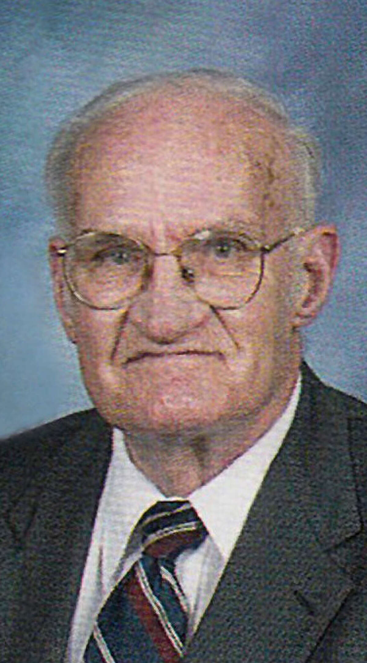 Dr. Ernest J. Gregory, a longtime general surgeon, died Oct. 12 at the age of 89.