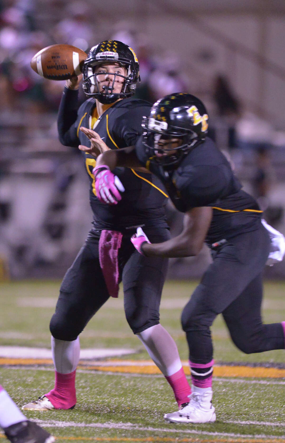 East Central's Justin Upshaw Mendoza throws a pass versus Southwest Fridat night.