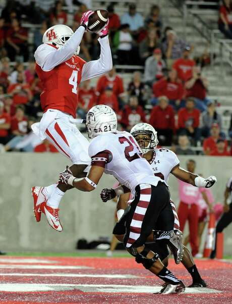 One of Deontay Greenberry's 10 receptions Friday night was this 7-yard touchdown catch in the third quarter over Temple defensive back Alex Wells. Photo: Eric Christian Smith, Freelance / 2014 Eric Christian Smith