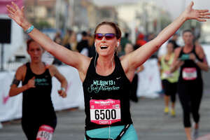 Energy 'just amazing' at charity half-marathon in S.F. - Photo