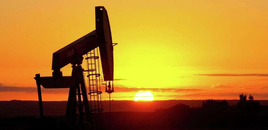For oil production, the EIA essentially harvests data from state agencies, but they vary on when the send in the data. Photo: Getty Images / AFP