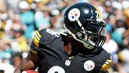 Steelers running back Le'Veon Bell (244 pounds) has 542 yards rushing and averages 5.2 yards per carry. LaGarrette Blount backs him up.
