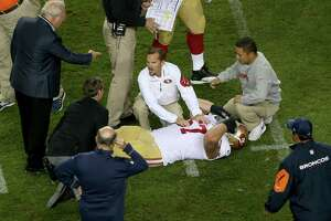 49ers center Kilgore done for season after broken ankle - Photo