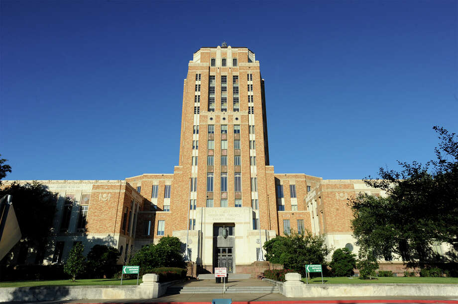 Officials banned firearms in the entire Jefferson County Courthouse because Commissioners Court said the courthouse's architecture forms an exception to the law. Photo: Guiseppe Barranco, Photo Editor