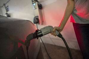 EV charging comes to S.F. apartment buildings - Photo