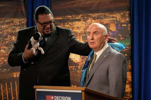 'Alpha House' tries to make D.C. seem funny - Photo