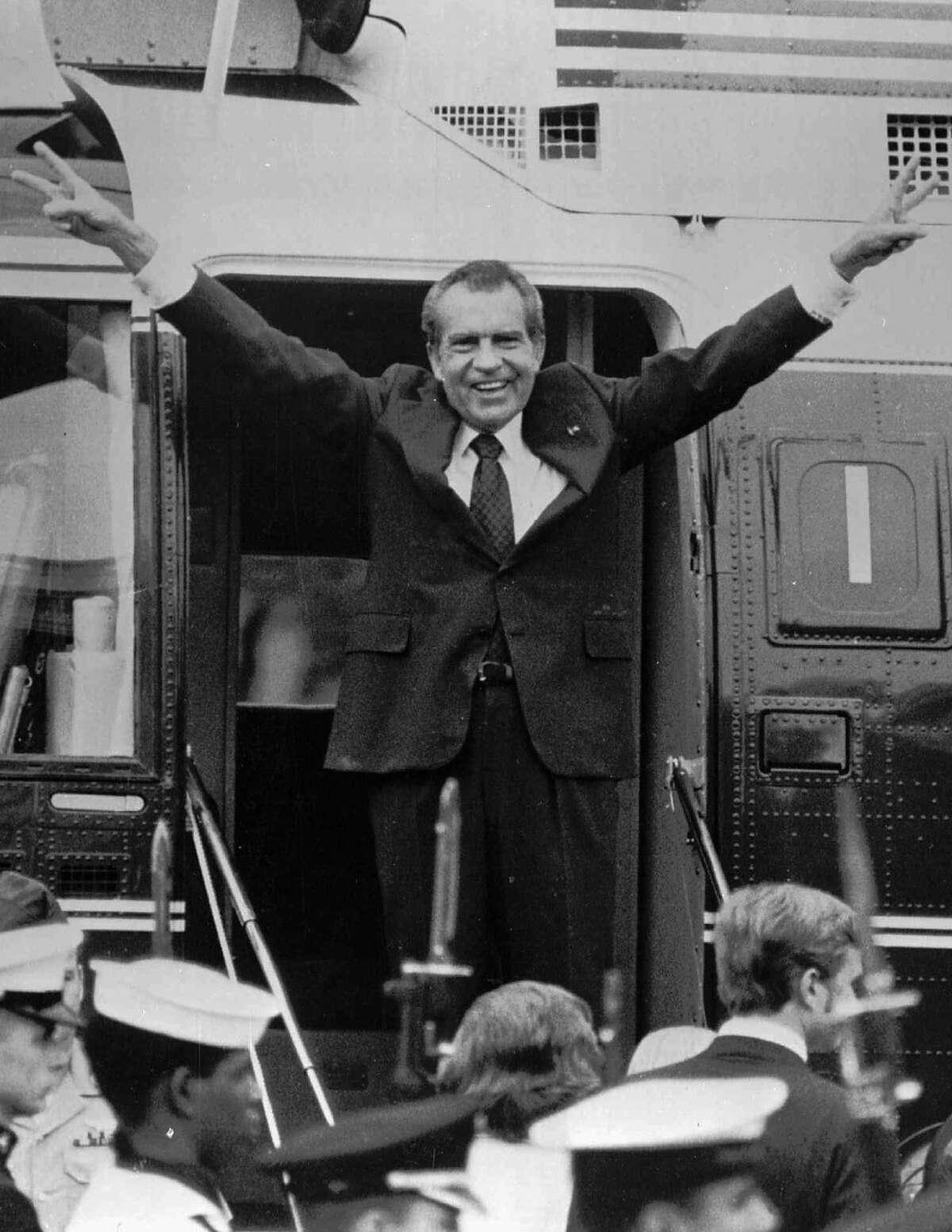 Nixon's last gesture after resigning the presidency.