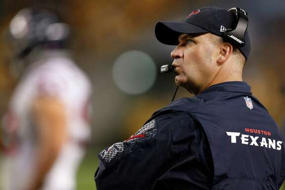 Texans coach Bill O'Brien looks up at the scoreboard as time drains away on his fourth loss as an NFL coach. His first visit to Heinz Field as Texans coach was a tangle of emotions.