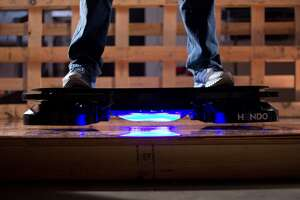 Tech startup unveils hoverboard - Photo