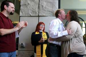 Same-sex marriage in Wyoming, 16 years after Shepard case - Photo