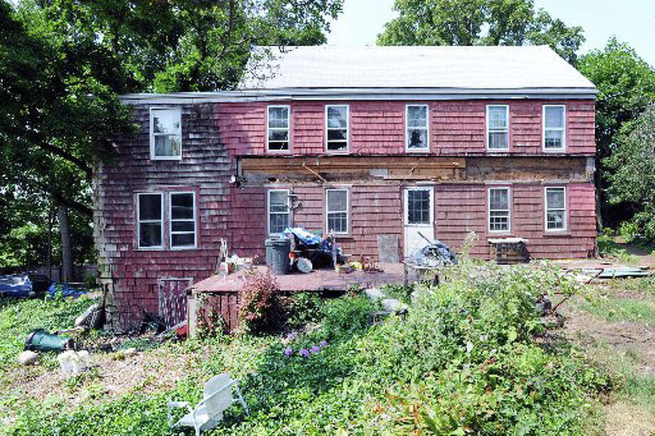 The Greenwich Point Conservancy is working to create a foundation to purchase the Ferris house at 181 Shore Road and save it from the wrecking ball. Photo: File Photo / Greenwich Time File Photo
