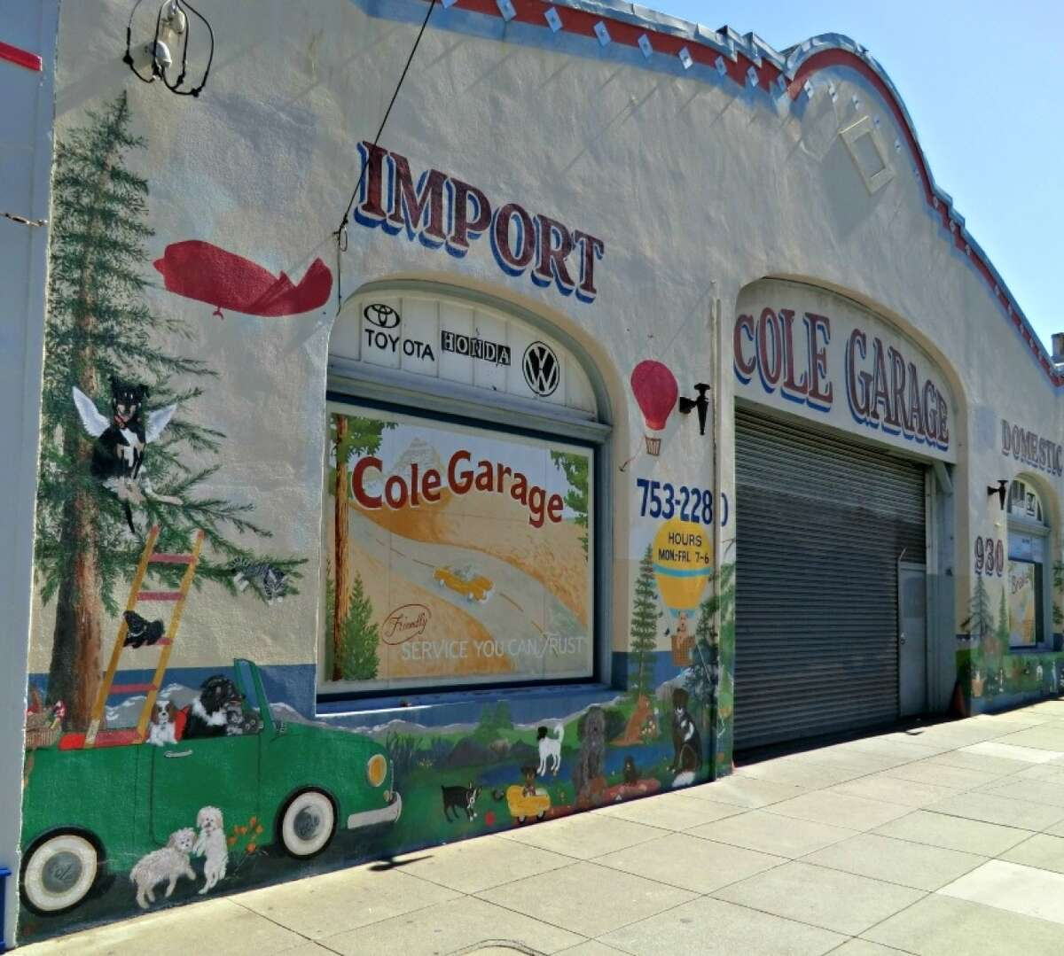 Cole Valley Animal Picnic Mural is a tribute to pets both living and departed. Artist Angela Tirrell lobbied the garage owner in 2007, who commissioned her to paint a portrait for a client.