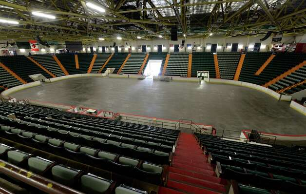 An interior view of the Glens Falls Civic Center which was to be auctioned off Monday morning, Aug. 18, 2014, in Glens Falls, N.Y. No bidders were registered therefore the auction was called off by Glens Falls Mayor Jack Diamond.  (Skip Dickstein/Times Union) Photo: SKIP DICKSTEIN