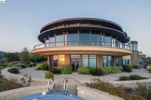 Space-age Oakland home lands on the market for $21M - Photo