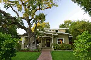 Sonoma Craftsman charms with contemporary kitchen and bathrooms - Photo