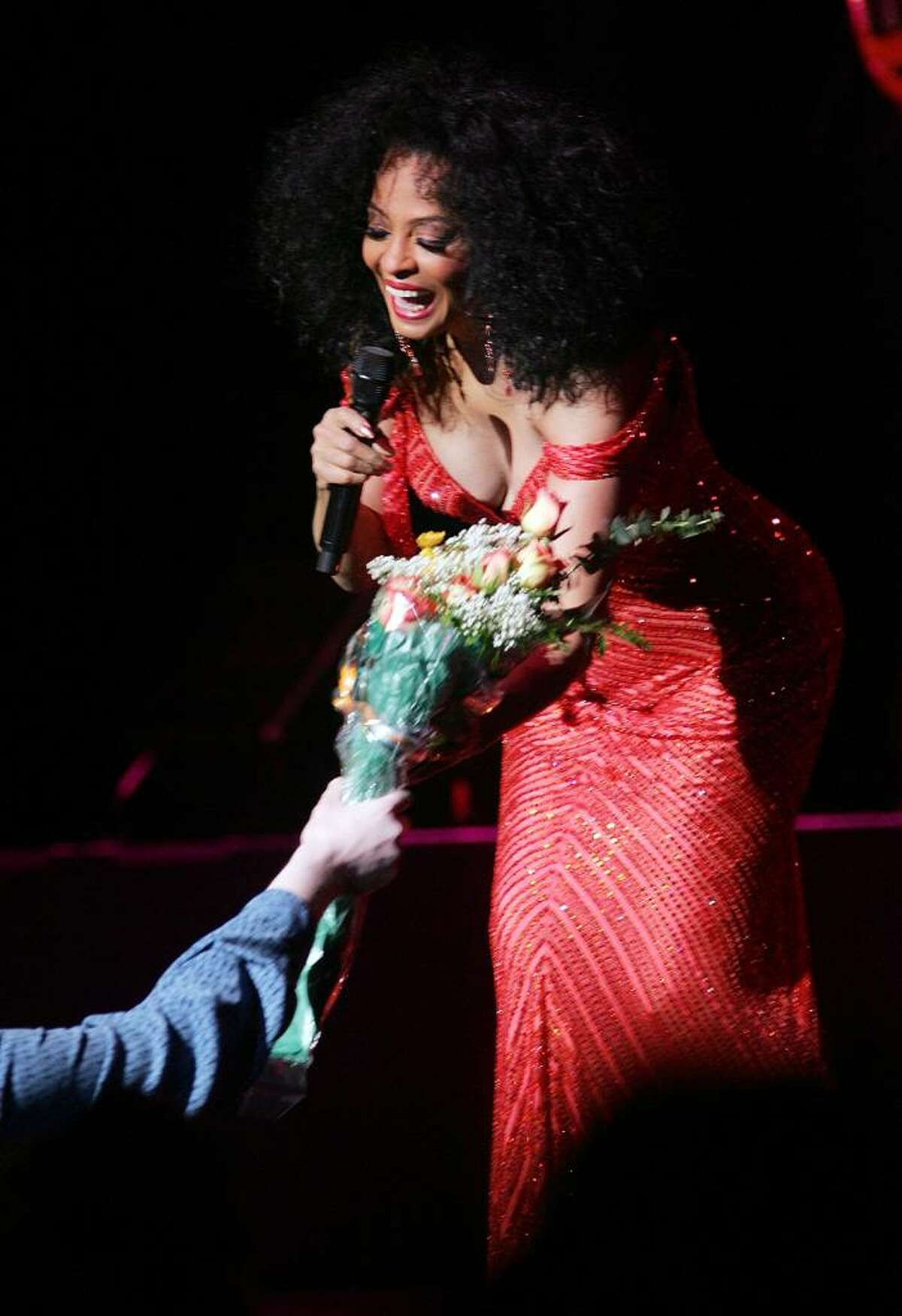 NEW YORK - APRIL 6: Singer Diana Ross performs to a sold-out crowd at the Theater at Madison Square Garden April 6, 2007 in New York City. (Photo by Scott Gries/Getty Images) *** Local Caption *** Diana Ross