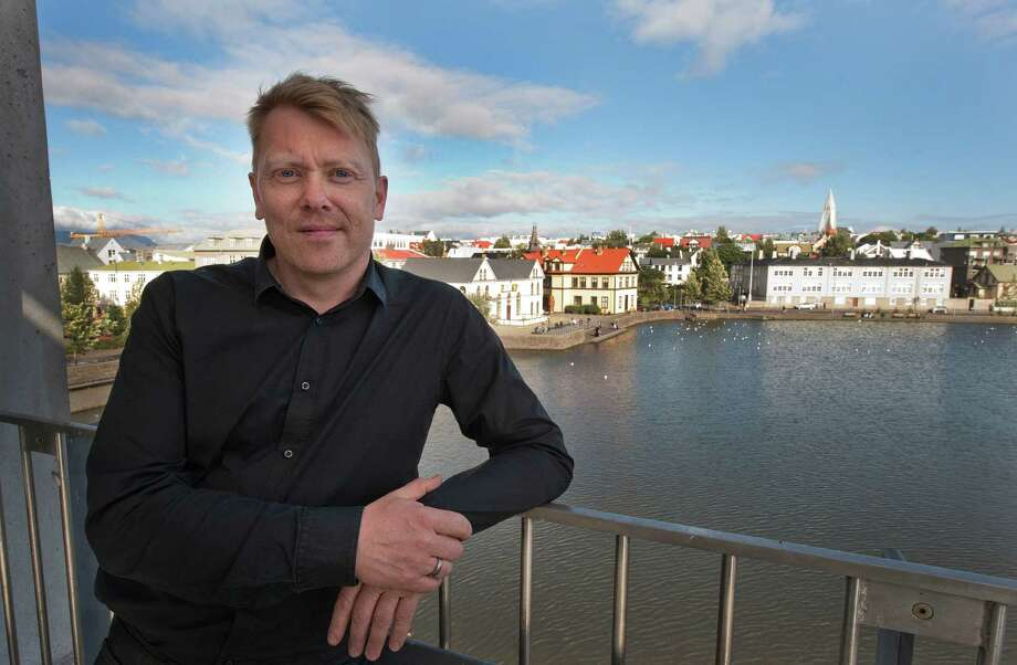 Jon Gnarr, the Icelandic comedian-turned-politician who infamously promised his constituents to never keep a promise, is moving to Houston to take a position at Rice University.See these other famous entertainers who later went into politics ... Photo: HALLDOR KOLBEINS, Getty Images / 2010 AFP