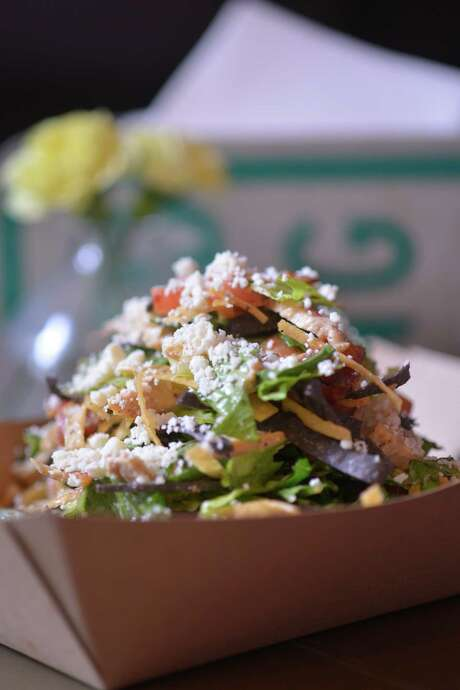 A chicken BLT salad from Taps y Tapas at 1012 N. Flores St. Photo: Robin Jerstad /San Antonio Express-News / San Antonio Express-News