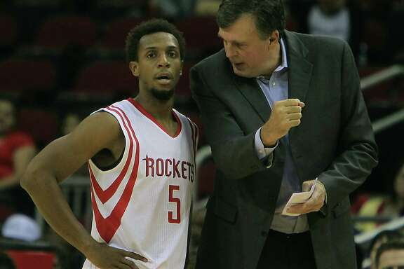With decision time at hand on roster cuts, guard Ish Smith left, hopes he's on the same page with coach Kevin McHale about their future together.
