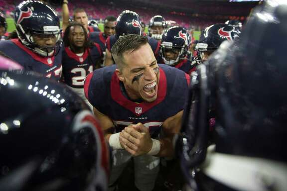 Texans inside linebacker Brian Cushing, center, will make the trip to Nashville for Sunday's game against Tennessee, but it remains to be seen if he is recovered enough from a sore knee to play or if he will be relegated to cheerleader status on the sideline.