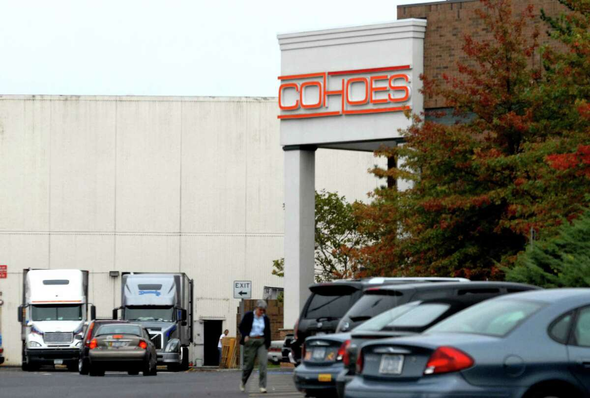 Times Union Staff Photo--Michael P. Farrell--Exterior of Cohoes Fashion at the Crossgates Mall in Guilderland , New York 10/11/2006. (w/Harlin Story)02-08-2007
