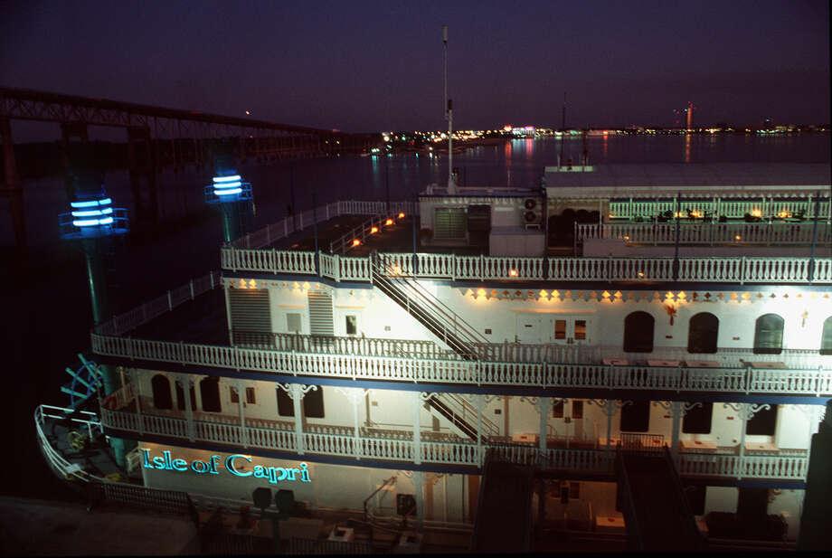 River casino buffet hours