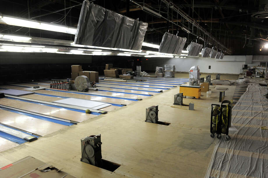 The former Rip Van Winkle Bowling Lanes, in Norwalk, is currently under renovation and will open as Bowlmor Lanes this Decemeber. Photo: Ned Gerard / Connecticut Post