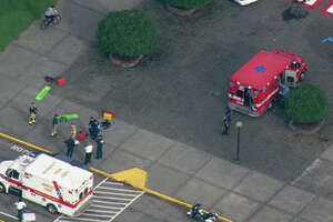 Gunman dies in attack on school outside Seattle - Photo