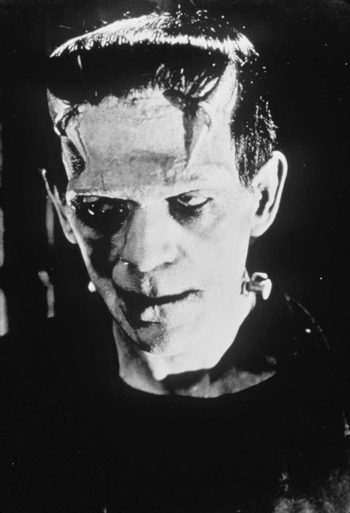 FRANKENSTEIN - (1931) Boris Karloff stars in