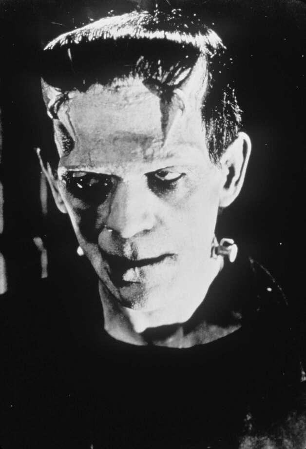 """FRANKENSTEIN - (1931) Boris Karloff stars in """"FRANKENSTEIN""""     HOUCHRON CAPTION (10/08/1998):   Universal Horror Weekend on TCM will include """"Frankenstein (1931) airing at 9 p.m. Friday.  HOUCHRON CAPTION (10/31/1999):  Boris Karloff as the living corpse, Frankenstein's monster. / handout slide"""
