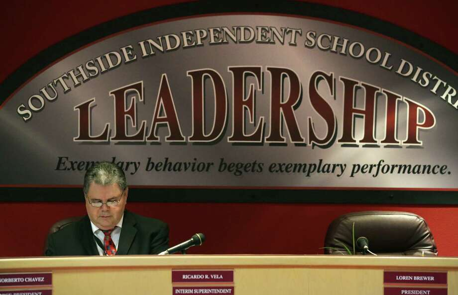 The shenanigans continue in in Southside ISD Superintendent Ricardo Vela's effort to secure certification as a superintendent. Photo: Bob Owen / Bob Owen / San Antonio Express-News / ©2013 San Antonio Express-News
