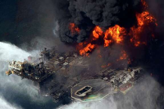 Prosecutors say a judge should stick with his ruling that gross negligence by BP was a factor in the 2010 blowout of its Macondo well, which killed 11 workers.