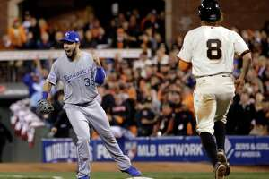 Cooling of Giants' bats leads to 2-1 deficit in Series - Photo