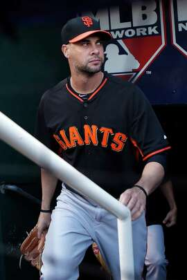Ryan Vogelsong has a good postseason resume but exited early in his last playoff start.