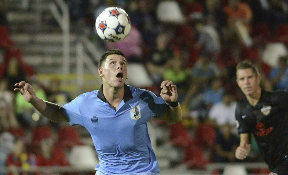 Christian Ramirez, who paces the NASL in goals with 19, leads first-place Minnesota United against the visiting Scorpions tonight in what could be a postseason preview. Photo: Billy Calzada / San Antonio Express-News / Billy Calzada