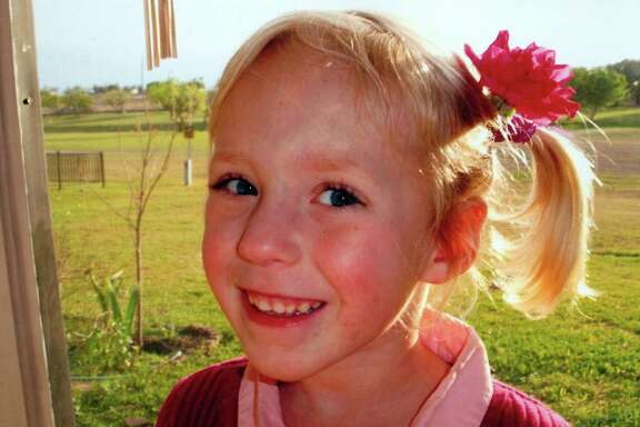 Sarah Brasse died of untreated acute appendicitis in February 2009. She was 8 and living with her father.