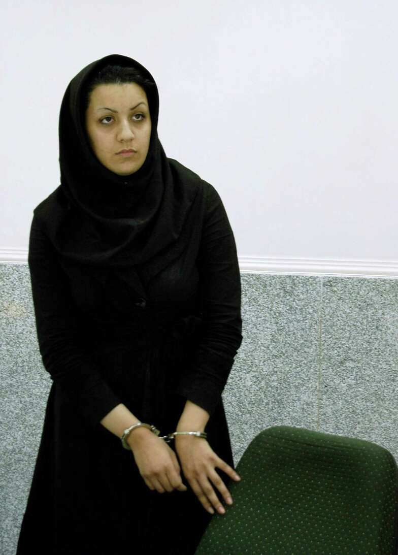Reyhaneh-Jabbari-hanged-iran