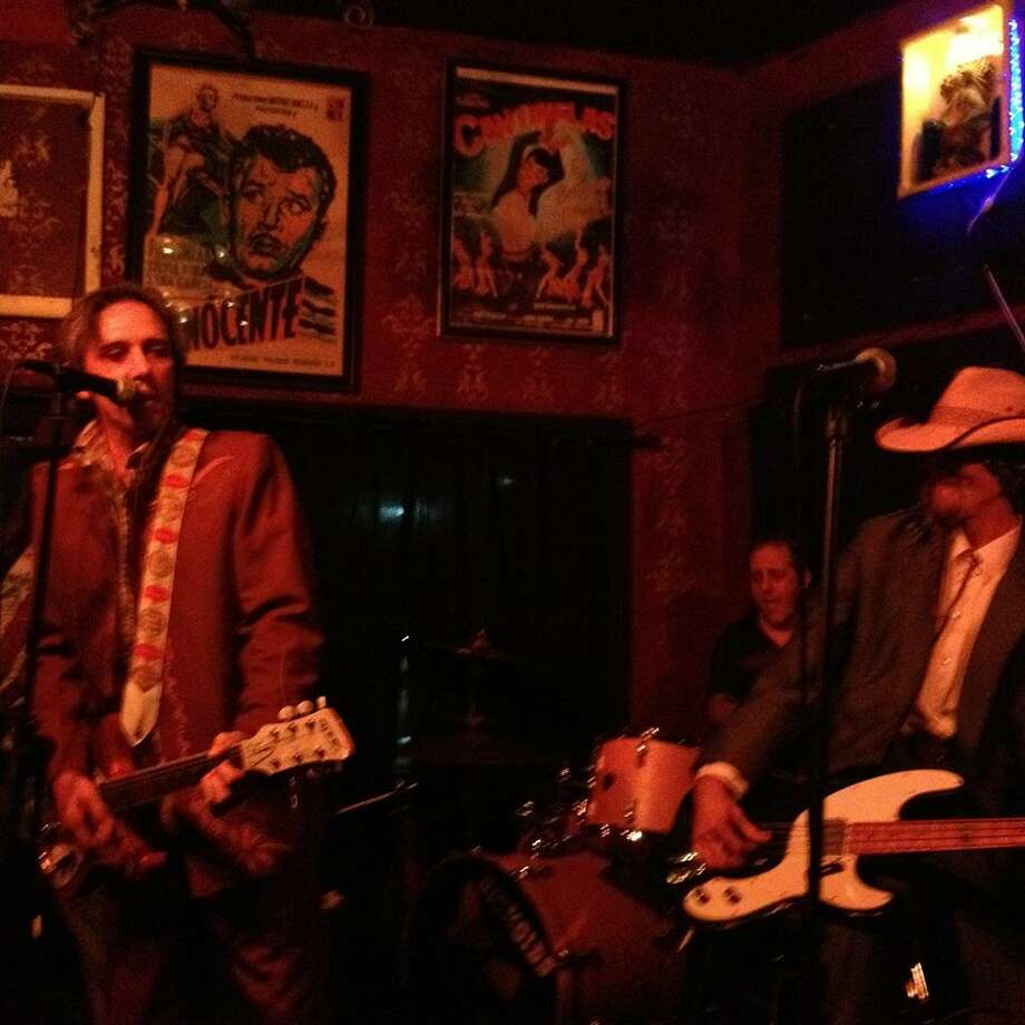 The Hickoids play their last S.A. show of the year at Hi-Tones. Photo: By Hector Saldaña
