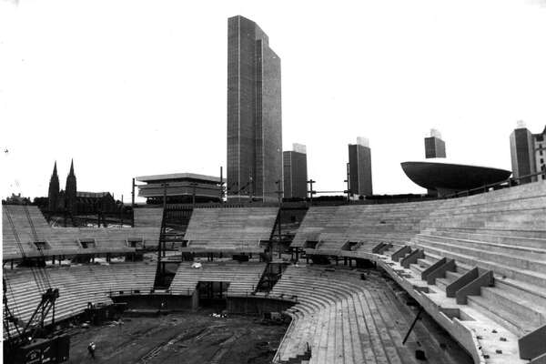 KNICKERBOCKER ARENA --shot from top deck of knick arena showing nearness of empire plaza 6/3/88 --20--