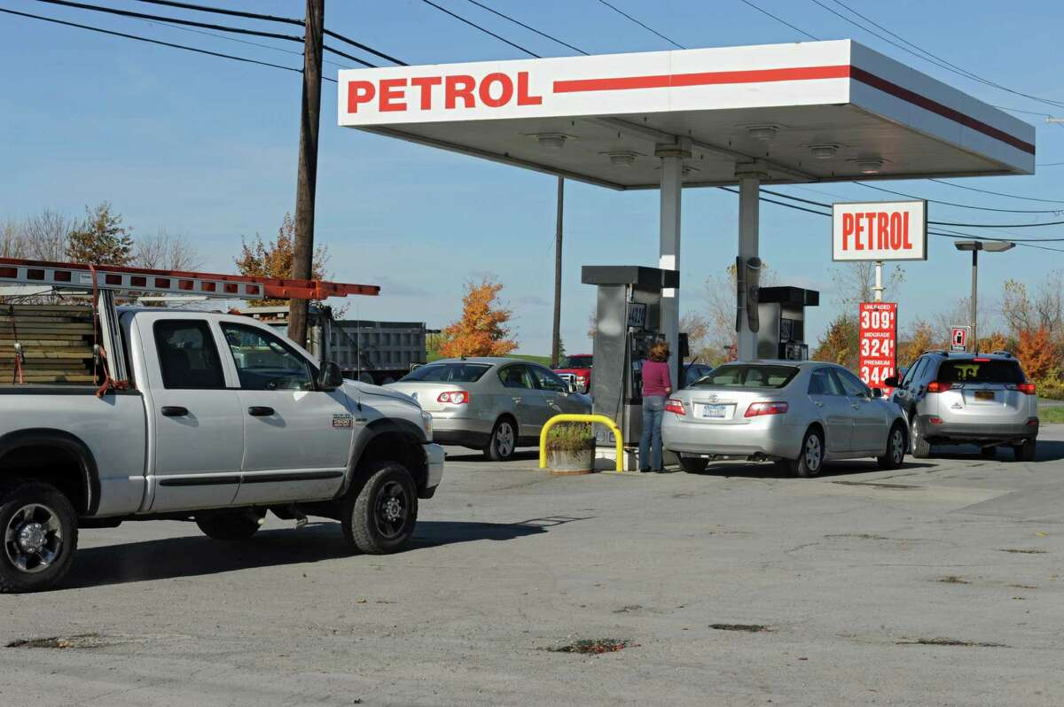 Price for regular gas is $3.09 a gallon at the Petrol gas station on 9W Monday, Oct. 27, 2014, in Glenmont, N.Y. (Lori Van Buren / Times Union)