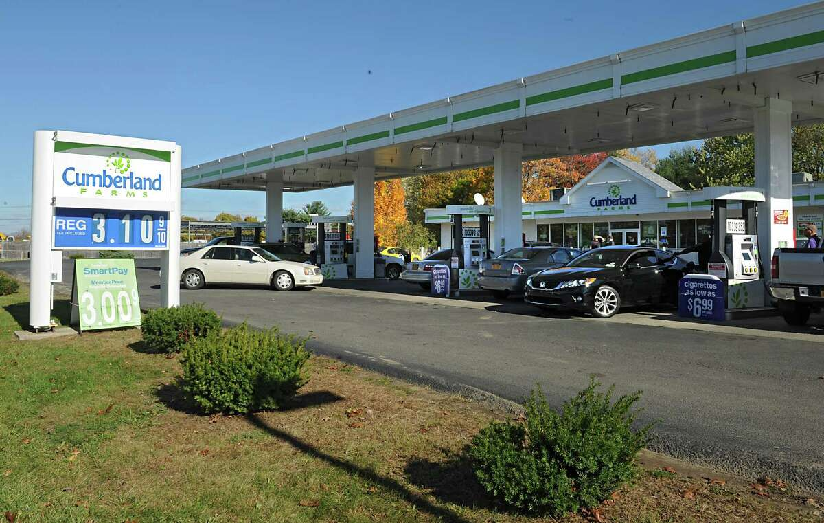 The Cumberland Farms at 430 Rt. 9W at Glenmont Road in Glenmont, N.Y., before renovations. (Lori Van Buren / Times Union)