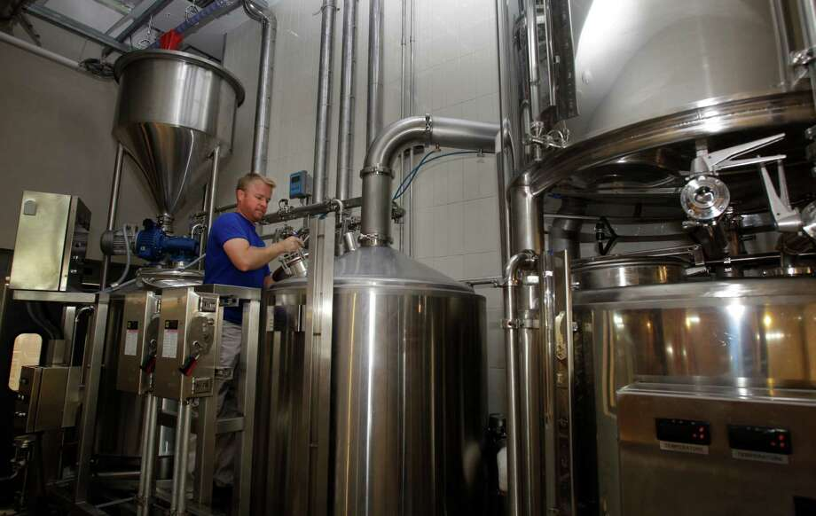 Dave Ohmer, brewmaster, will bring custom craft brews to Whole Foods Market at 1700 Post Oak Blvd.Dave Ohmer, brewmaster, will bring custom craft brews to Whole Foods Market at 1700 Post Oak Blvd. Photo: Melissa Phillip, Staff / © 2014  Houston Chronicle