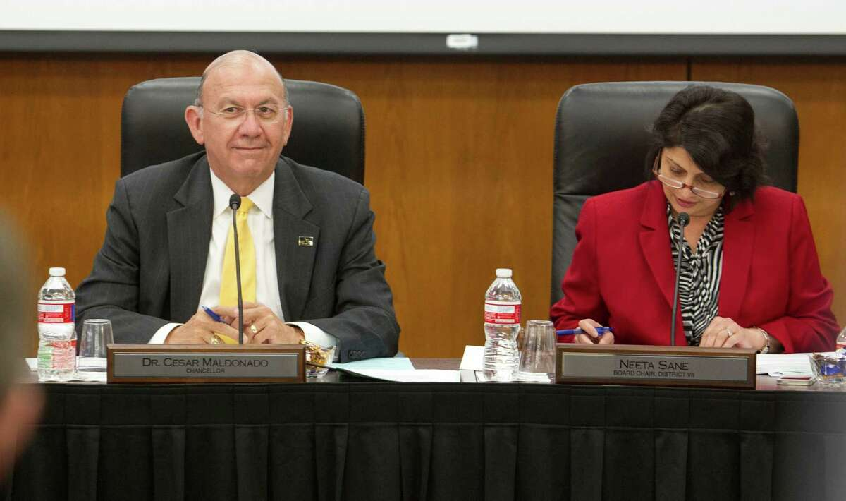 (l-r) Houston Community College Chancellor Cesar Maldonado next to Neeta Sane HCC board chair during his first board meeting at the downtown Houston campus Thursday May 15, 2014. (Billy Smith II / Houston Chronicle)